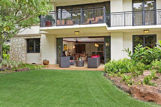 Outside Lanai of this vacation rental in Ko Olina Oahu, with view of upper balcony.