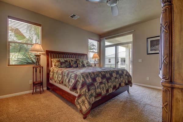 Guest Bedroom 2 - Queen Bed