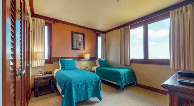 Third Bedroom with two Extra Long Twin Beds