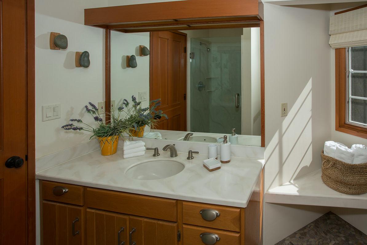 Bathroom #3, West Wing