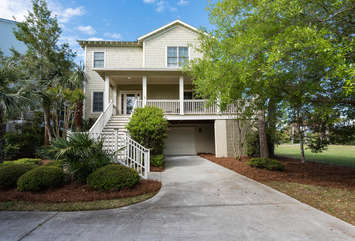 This home is located in the Villages of Seabrook - walk to the Equestrian Center, Lake House indoor/outdoor pools and fitness center, Racquet Club and the neighborhood pool!