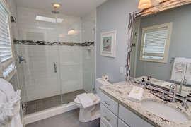 Queen bedroom upstairs private bathroom