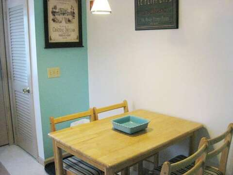 Breakfast table in kitchen - 22 Happy Way Harwich Cape Cod New England Vacation Rentals