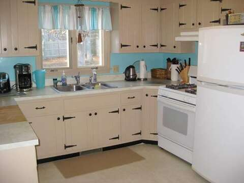 Fully equipped kitchen - 22 Happy Way Harwich Cape Cod New England Vacation Rentals