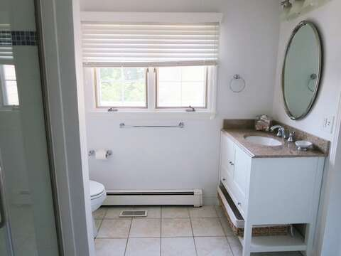 On suite bath with shower 1st floor - 13 Monomoy Circle Chatham Cape Cod New England Vacation Rentals