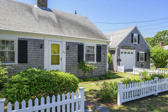 Welcome to Oceans Favorite- 54 Hiawatha Road Harwich Port Cape Cod New England Vacation Rentals