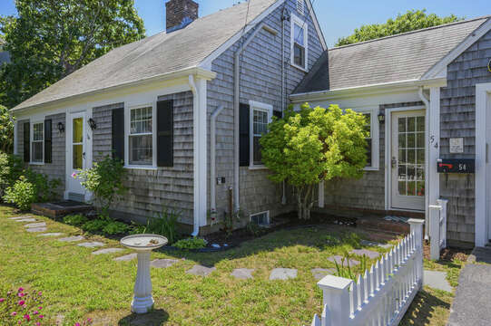 Welcome to Oceans Favorite-54 Hiawatha Road Harwich Port Cape Cod New England Vacation Rentals