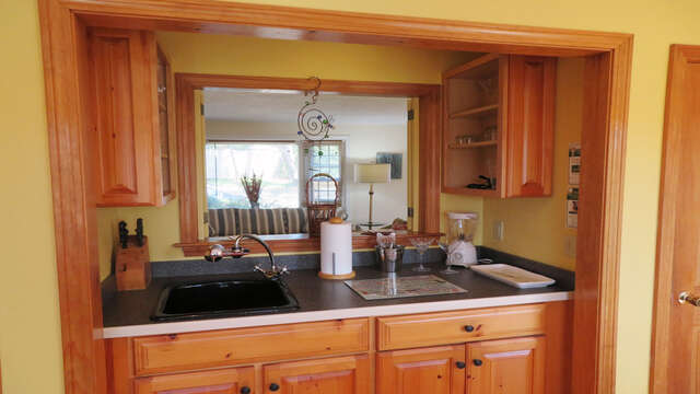 Wet bar in kitchen - 138 Soundview Avenue Chatham Cape Cod New England Vacation Rentals