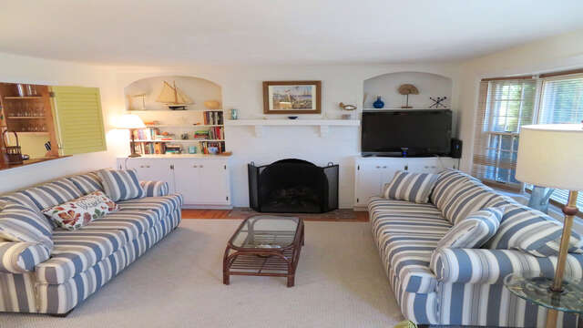 The Heron's Nest has plenty of living spaces! - 138 Soundview Avenue Chatham Cape Cod New England Vacation Rentals