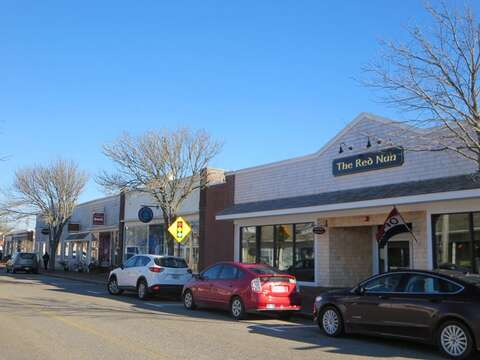 Fun shops and good food establishments in Dennisport are all available for you to visit - Make sure to try a burger at the Red nun! Live music offered on weekends too. - Dennisport Cape Cod New England Vacation Rentals