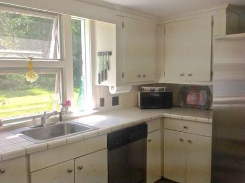 Kitchen- fully equipped with dishwasher - 45 Route 28 West Harwich Cape Cod New England Vacation Rentals