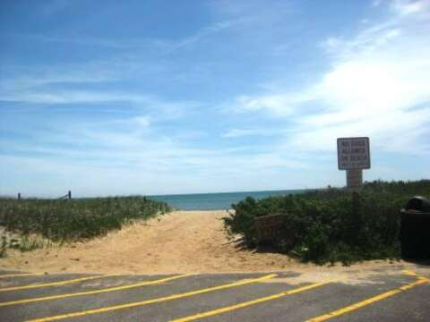 Entrance Pleasant Street Beach from road - Chatham Cape Cod New England Vacation Rentals