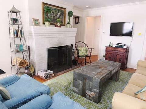 With flat screen TV and fireplace - 14 Ivy Lane Chatham Cape Cod New England Vacation Rentals