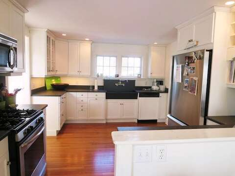 Fully equipped kitchen - 14 Ivy Lane Chatham Cape Cod New England Vacation Rentals