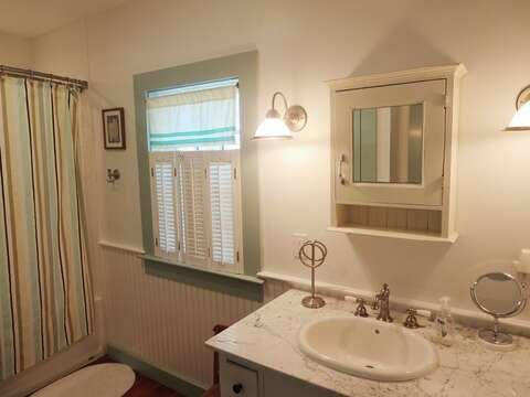 Full bathroom with tub and shower 1st floor - 49 Pleasant Lake Avenue Harwich Cape Cod New England Vacation Rentals