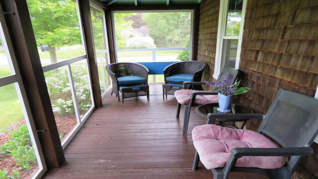 Sit back and enjoy your favorite libation  - 38 Pleasant Street Harwich Port Cape Cod New England Vacation Rentals