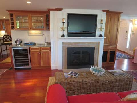 Living area with flat screen TV - 14 Hallett Lane Chatham Cape Cod New England Vacation Rental