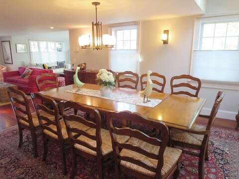 Dining table - 14 Hallett Lane Chatham Cape Cod New England Vacation Rentals