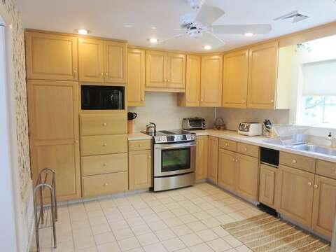 Kitchen - fully equiped - Waterfront North Chatham Cape Cod New England Vacation Rentals