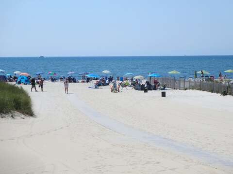Bank Street Beach in Harwich is less then 2 miles from the house! - South Harwich Cape Cod New England Vacation Rentals