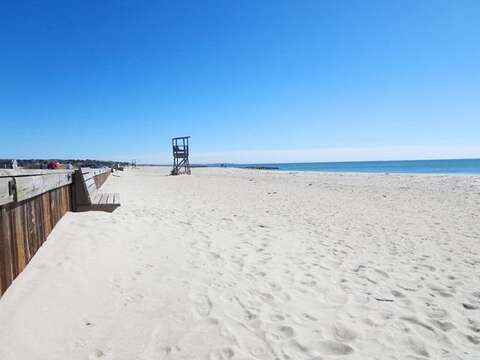 Red River Beach on Nantucket Sound. Sandy beach with warmer water and gentle waves - South Harwich Cape Cod New England Vacation Rentals