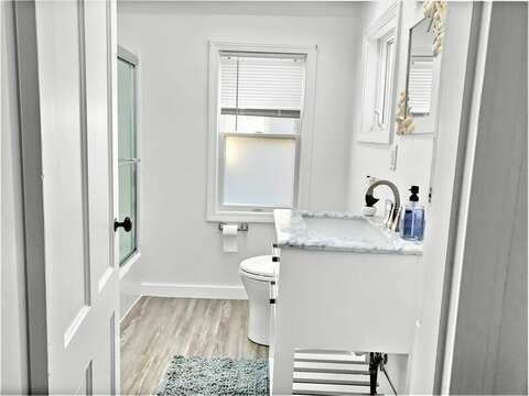 Full bath on first floor with a tub and shower - 17 Ocean Avenue Harwich Port Cape Cod New England Vacation Rentals