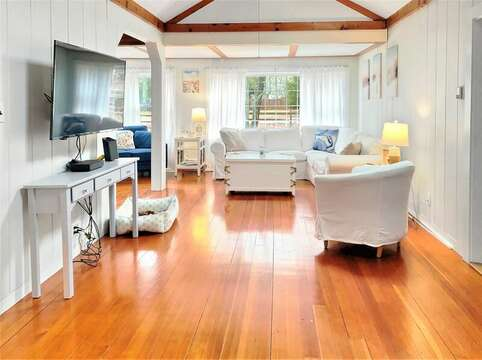Flat Screen with retractable swivel arm for ease of viewing - includes WIFI - 130 Belmont Road West Harwich- Cape Cod - New England Vacation Rentals