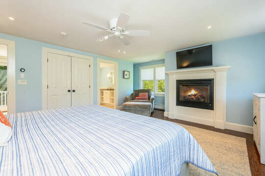 Bedroom #3 King bed, gas fireplace, flat screen tv, large closet and ensuite full Bath #4 93 Bucks Creek Road Chatham Cape Cod New England Vacation Rentals