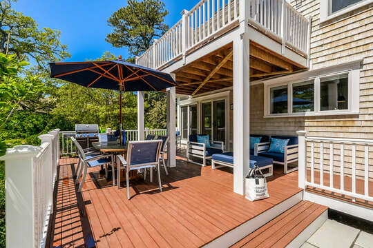 Large deck for entertaining at 93 Bucks Creek Road Chatham Cape Cod New England Vacation Rentals