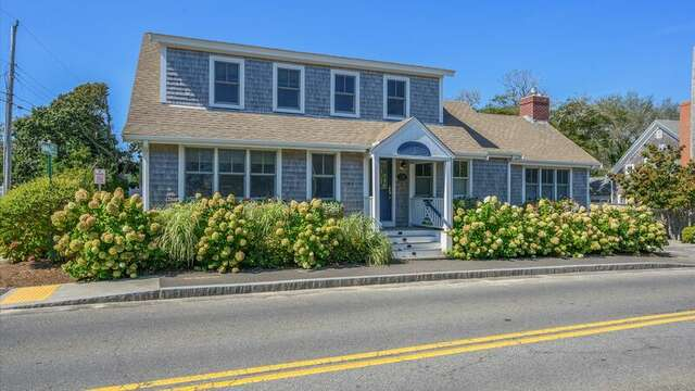Welcome to the Sandpiper. 201 Main Street Chatham Cape Cod New England Vacation Rentals