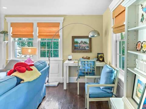 Have to do some work while on vacation? Open your laptop and enjoy this special space... or forget the work and simply write out some postcards to your family and friends! - 32 Bearses By Way Chatham Cape Cod New England Vacation Rentals