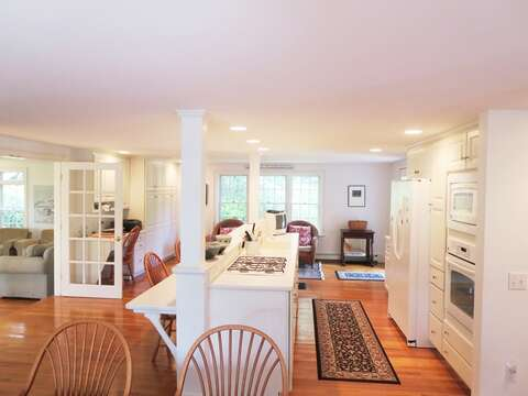 Fully equipped kitchen - Light, bright, and fun to cook in! - 1789 Main Street Chatham Cape Cod New England Vacation Rentals