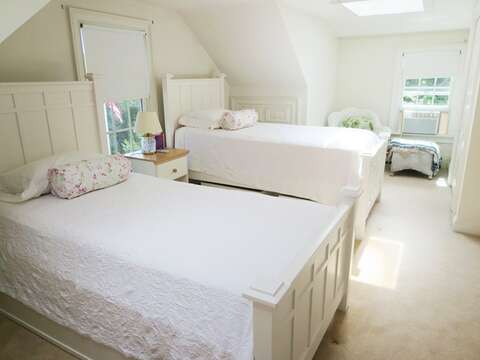 bedroom 3 with twins- 2nd floor - 1789 Main Street Chatham Cape Cod New England Vacation Rentals