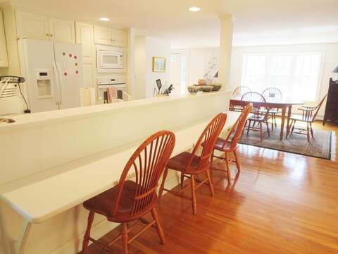 Breakfast bar with seating for 3 - 1789 Main Street Chatham Cape Cod New England Vacation Rentals
