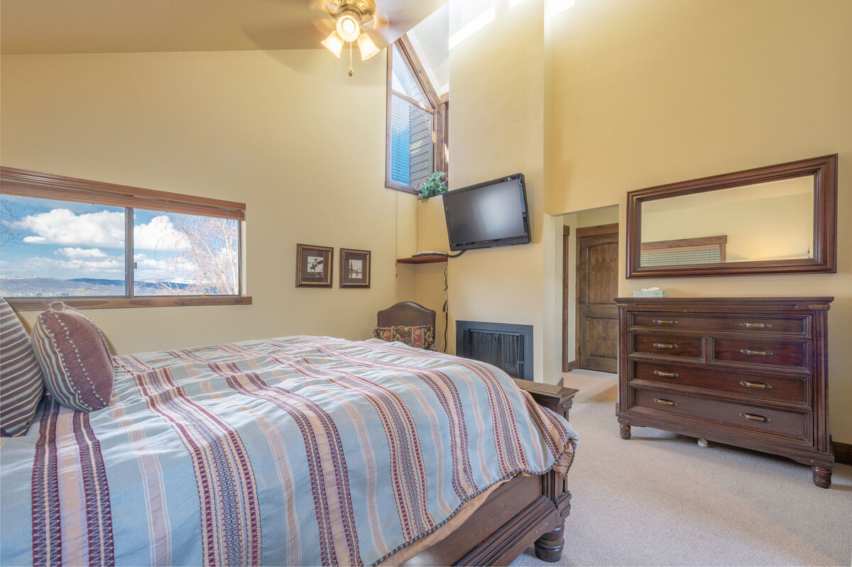 All Mountain Lodging: Red Pine T33 in Red Pine Vacation ...