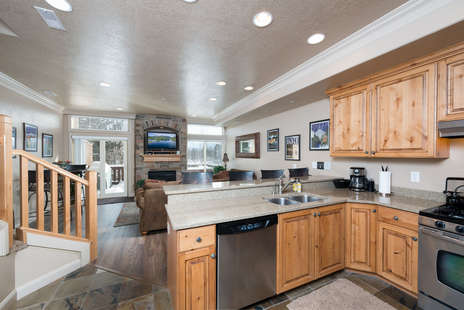 fully stocked kitchen / stainless steel appliances