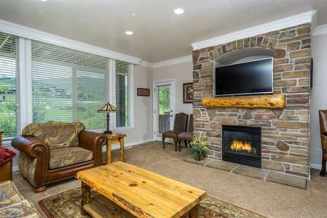 Upper Living Room with Gas Fireplace
