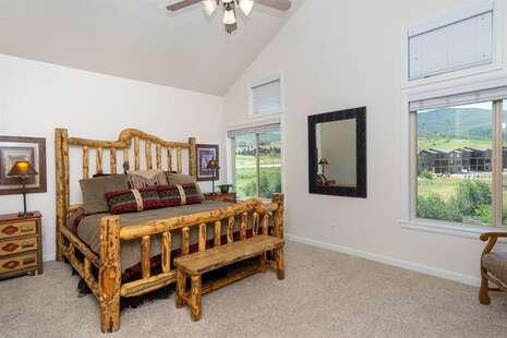 Master Suite with En-Suite Bathroom, King Bed