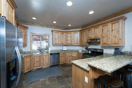 Large, spacious kitchen