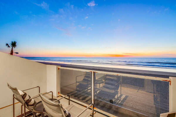 Incredible Oceanfront Location