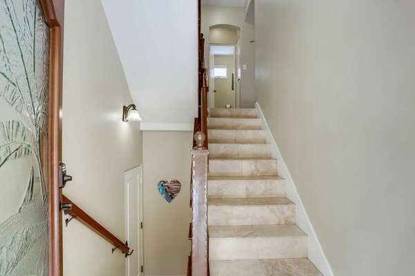 Entry - Stairs to Living Room