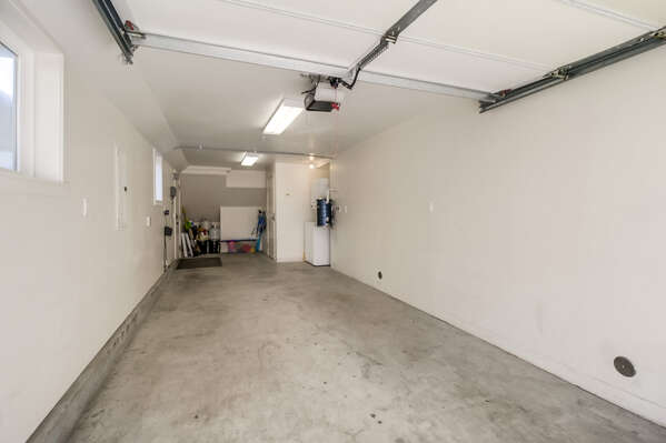 Tandem Garage of this San Diego County Vacation Rental - (6'7
