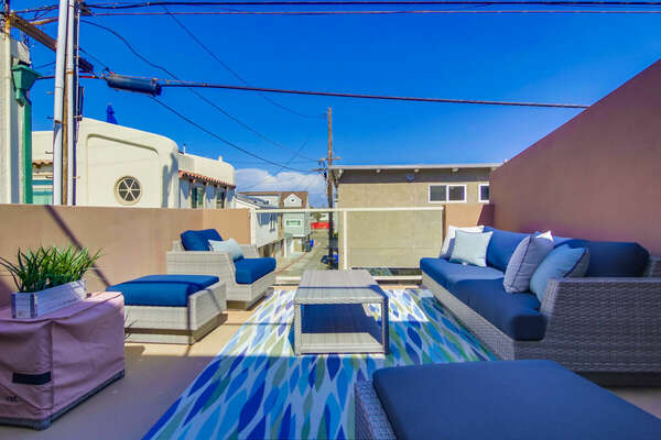 Sun Deck of this San Diego vacation home rental, with ample seating.