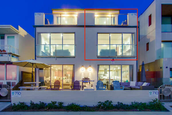 The exterior of this San Diego vacation home rental, highlighted in red,