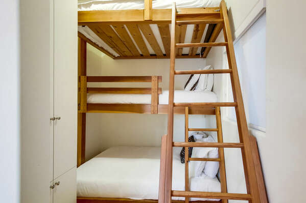 Twin/Twin/Full Triple Bunk Bed