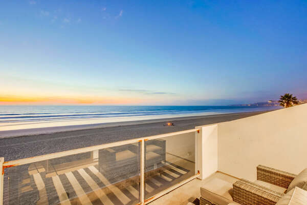 Oceanfront upper level balcony
