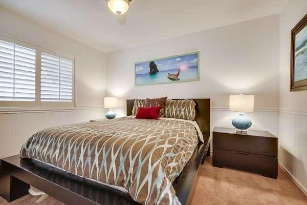 Guest Bedroom #1 - Queen Bed