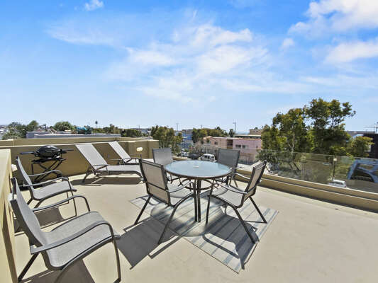 Roof Deck with Outdoor Dining & BBQ