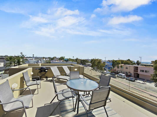 Spacious Roof Deck