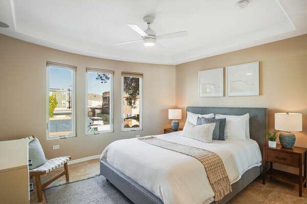 Guest Bedroom w/ Queen & En-Suite - 2nd Floor West